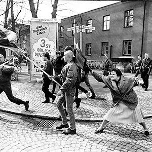 woman-hitting-nazi